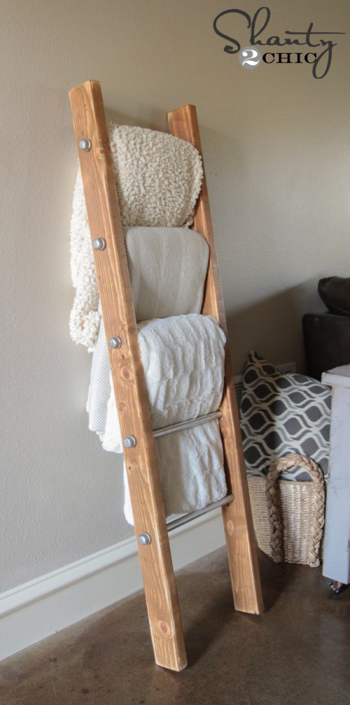 Wood-and-Metal-Pipe-Blanket-Ladder-500x1006