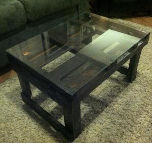 pallet-black-coffee-table-with-glass-top-1