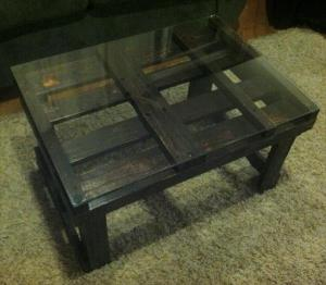 pallet-black-coffee-table-with-glass-top-2
