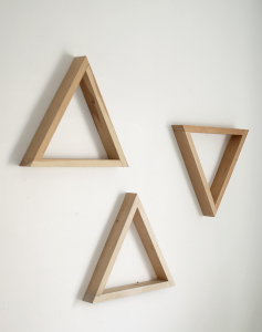 WoodTriangleShelf6