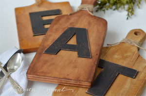 diy-cutting-board-word-art-chalk-paint-crafts-how-to