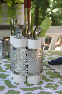 close_up_utensil_holder