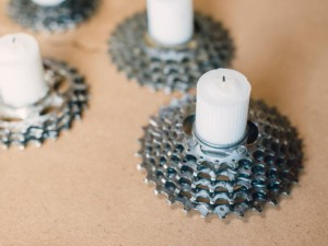 Original_Steampunk-gear-votive-insert-candle-Step4_h.jpg.rend.hgtvcom.616.462