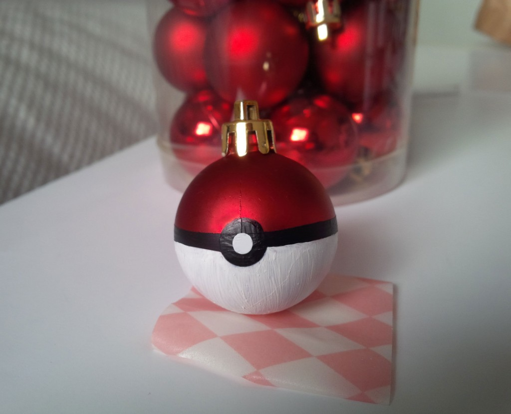 boule de noel pokemon chinasafetybelts. Black Bedroom Furniture Sets. Home Design Ideas