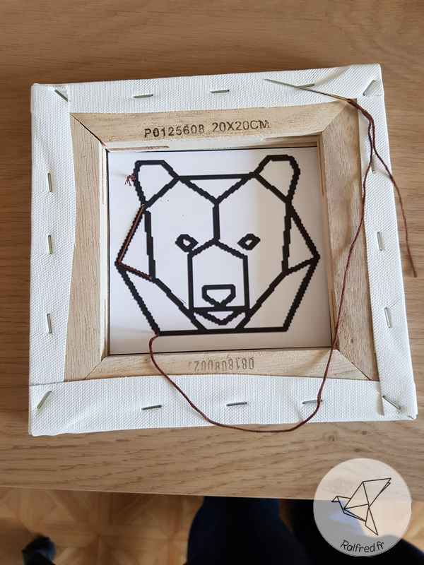 Tableau broderie animal style origami